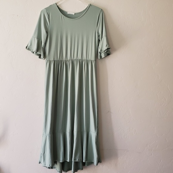 Reborn J Dresses & Skirts - .Reborn J//Boutique Midi Dress Poly spandex,